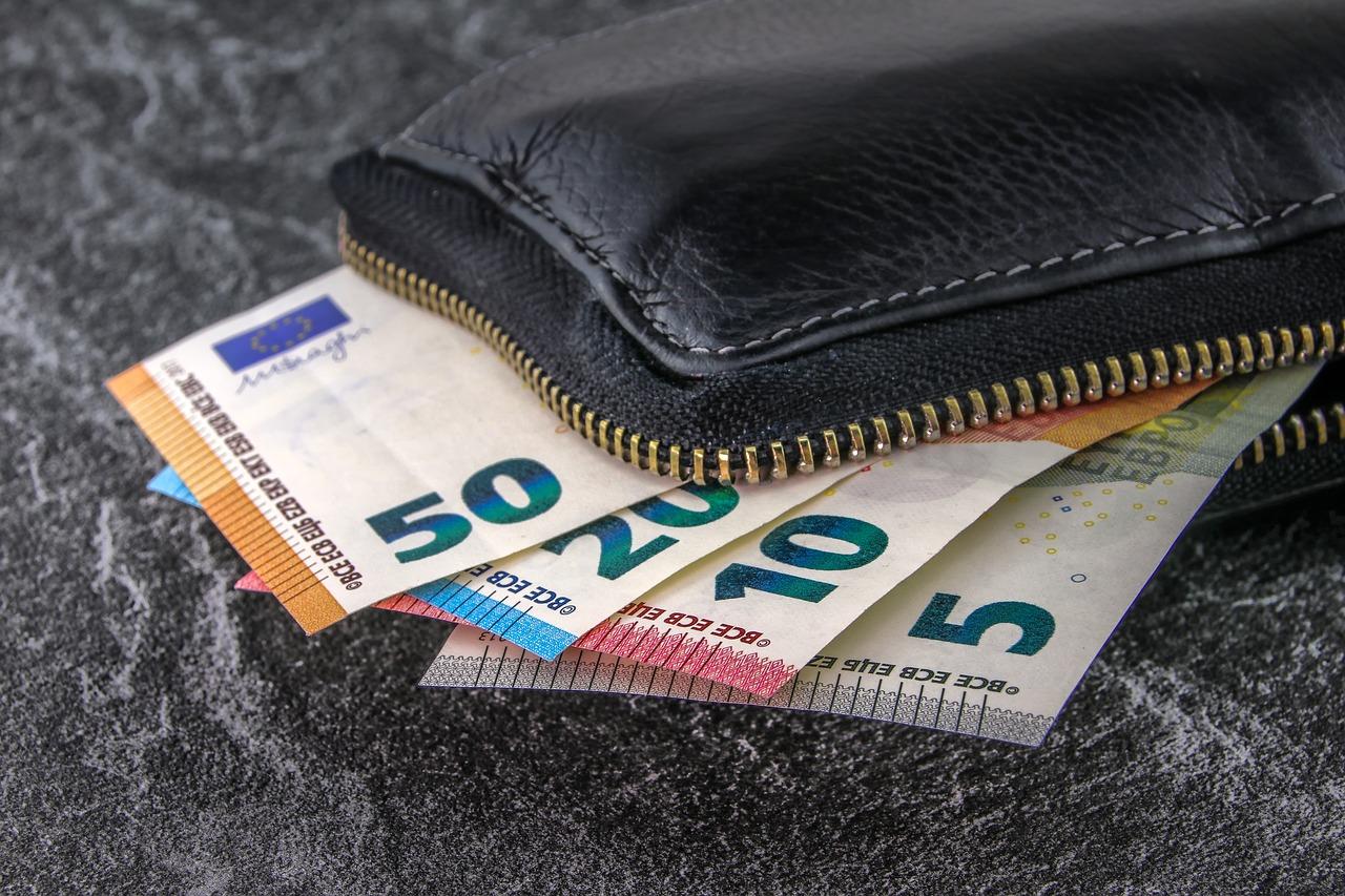 Kontanter eller betalingskort på ferien – hvad skal jeg vælge?